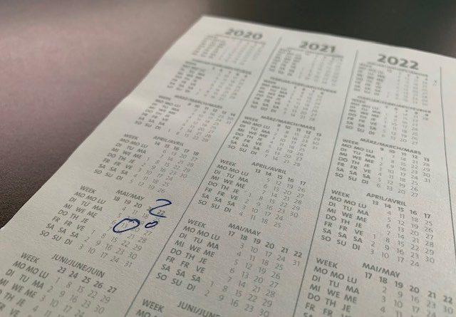 Ein Kalender mit Fragezeichen zur Symbolisierung der Meldefrist bei Datenschutz-Verletzung